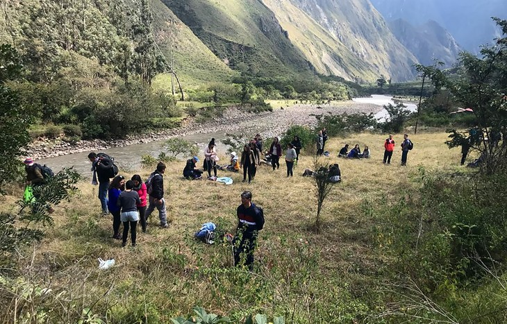 Pérou: 35 touristes blessés dans une collision de trains près du Machu Picchu - ảnh 1
