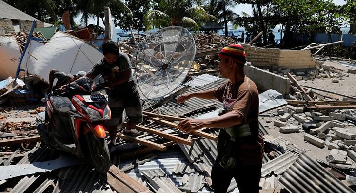 Le bilan du séisme en Indonésie atteint 347 morts - ảnh 1