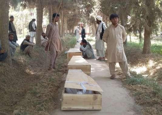 Afghanistan: près de 100 morts après deux attaques à Kaboul et dans le Baghlan - ảnh 1