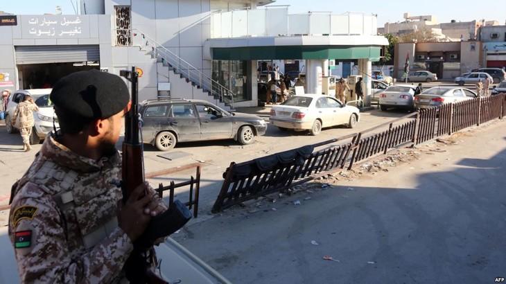 Libye: reprise des combats en banlieue de Tripoli - ảnh 1