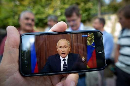 Russie: Vladimir Poutine assouplit sa réforme contestée des retraites - ảnh 1