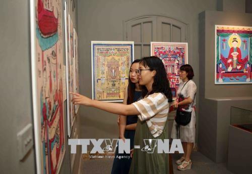Vernissage d'une exposition d'estampes populaires du Vietnam à Hanoï - ảnh 1