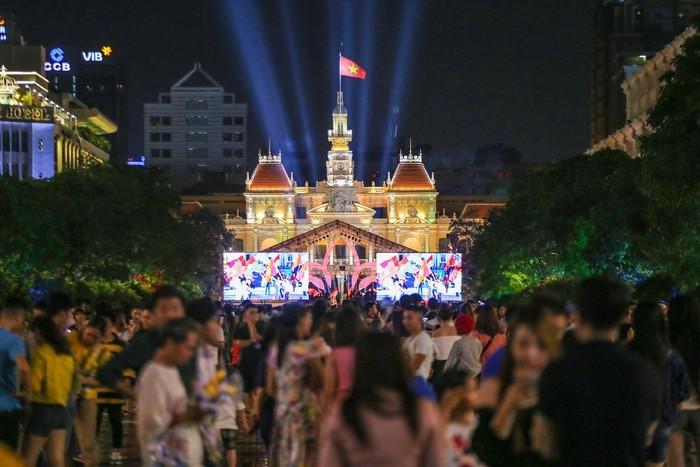 La fête nationale célébrée à Hô Chi Minh-ville - ảnh 1
