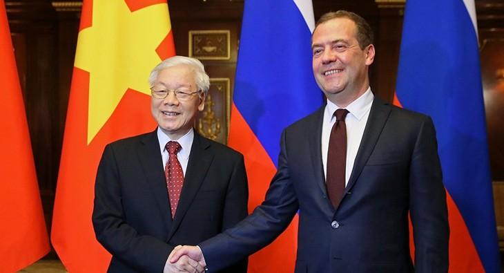 Le SG du PCV rencontre Dimitri Medvedev - ảnh 1