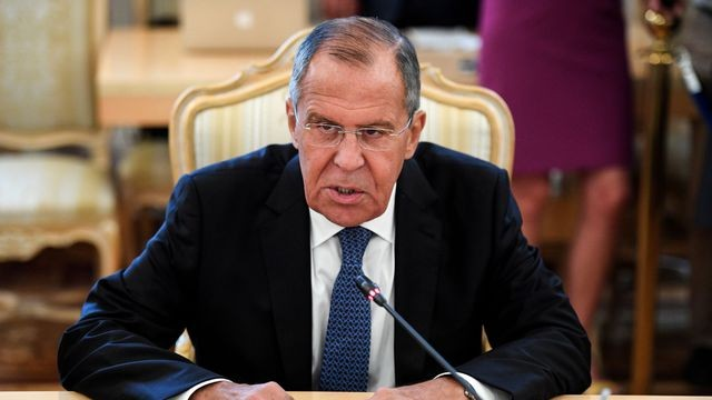 Lavrov dénonce la politique de Washington qui «sanctionne d'abord, puis négocie» - ảnh 1