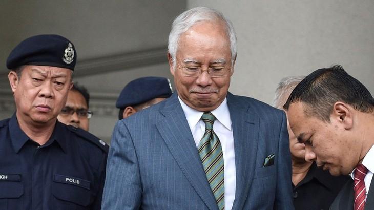 Malaisie : l'ancien Premier ministre Najib Razak arrêté pour corruption - ảnh 1