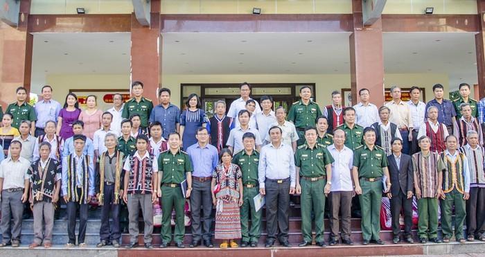 Valoriser le rôle des patriarches des communes frontalières de Quang Nam - ảnh 1