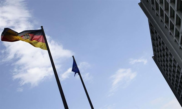 La guerre commerciale commence à se faire sentir dans la zone euro - ảnh 1