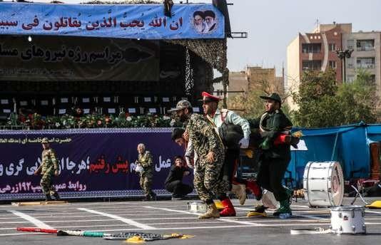 Les Iraniens secoués après l'attentat à Ahvaz - ảnh 1