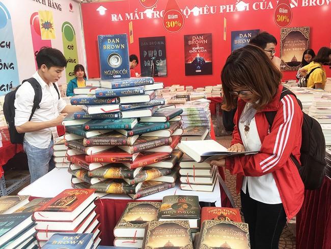 La place du livre dans la vie des jeunes Vietnamiens - ảnh 1
