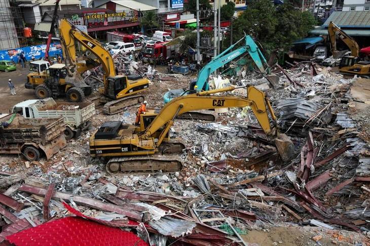 Cambodge : le bilan de l'effondrement d'un immeuble s'alourdit encore - ảnh 1