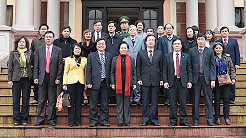 Vize-Staatspräsidentin Nguyen Thi Doan besucht Provinz Nam Dinh - ảnh 1
