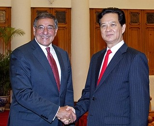 Premierminister Dung empfängt US-Verteidigungsminister Panetta - ảnh 1