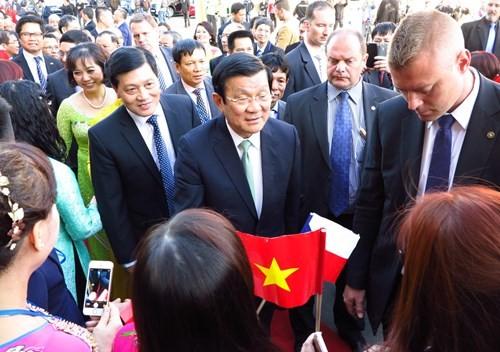 Staatspräsident Truong Tan Sang besucht Tschechien - ảnh 1