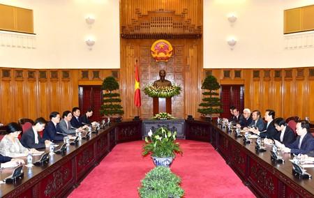 Premierminister Nguyen Tan Dung trifft Gouverneur Yunnans Chen Hao - ảnh 1