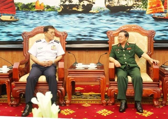 Zusammenarbeit zwischen Luftstreitkräften Vietnams und Japans verstärken - ảnh 1