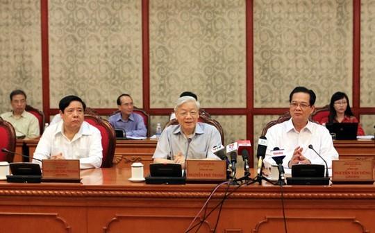 Politbüro bereitet sich auf Parteisitzungen der Zentralparteileitungen vor - ảnh 1