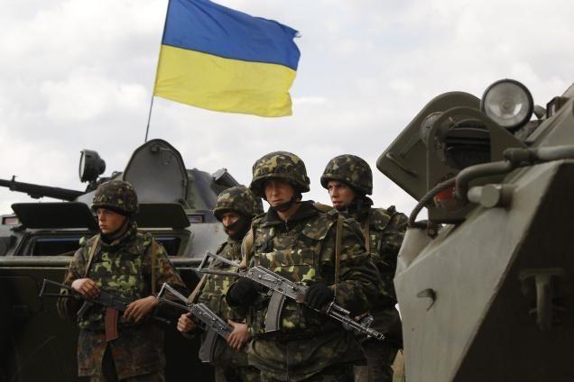 Ausländer dürfen legal bei der ukrainischen Armee dienen - ảnh 1
