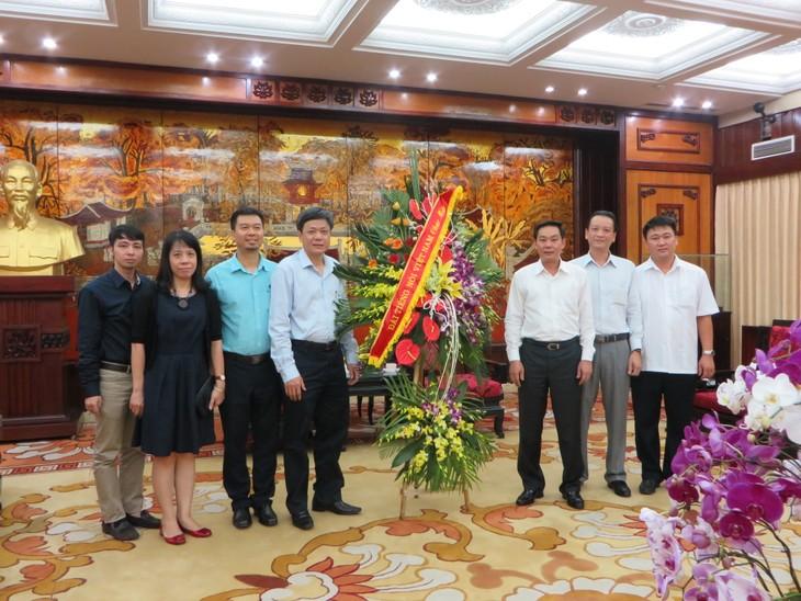 VOV-Vize-Intendant beglückwünscht Volkskomitee der Hauptstadt Hanoi - ảnh 1