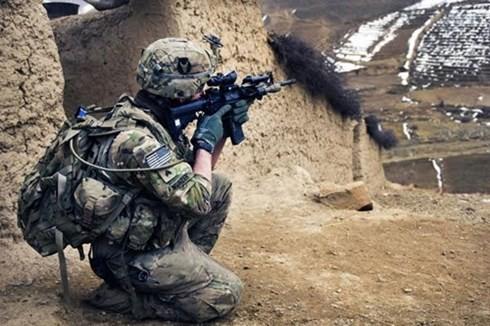 USA unterstützen kurdische Kämpfer bei Befreiung der IS-Geiseln im Irak - ảnh 1