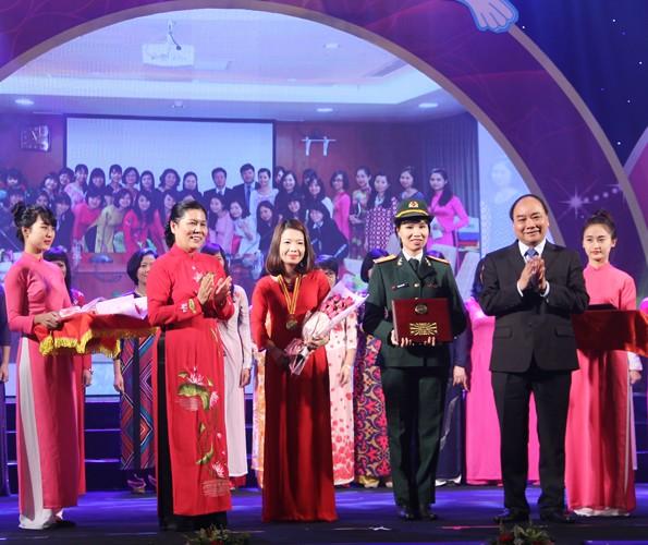 Beiträge der vietnamesischen Frauen zur Gemeinschaft - ảnh 1