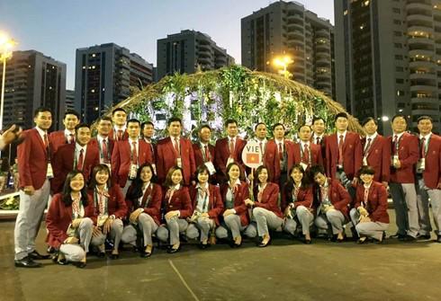 Zeremonie für Hissen der vietnamesischen Flagge bei den Olympischen Spielen 2016 - ảnh 1