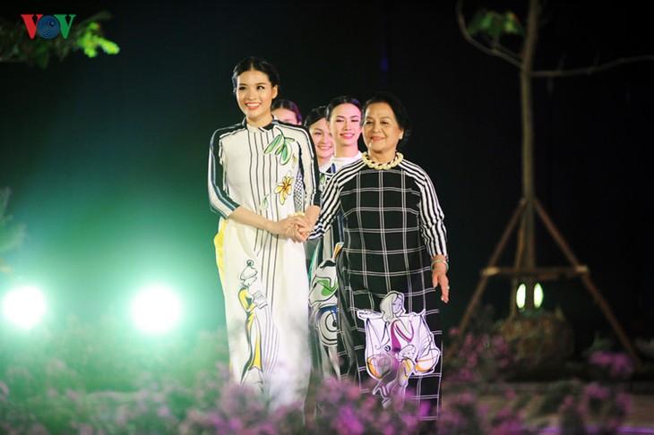 Berühmte vietnamesische Schauspieler versammeln sich beim Ao Dai-Festival Hanoi  - ảnh 7