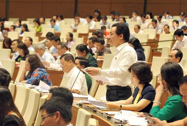 Parlament diskutiert Gesetzesentwurf zur Versteigerung von Vermögen - ảnh 1