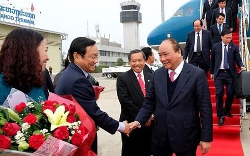 Nguyen Xuan Phuc nimmt an Sitzung der vietnamesisch-laotischen Regierungskommission teil - ảnh 1
