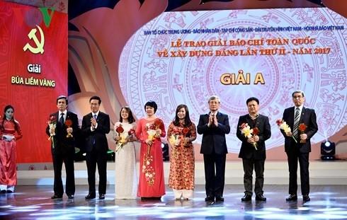 Verleihung des Pressepreises zum Parteiaufbau - ảnh 1