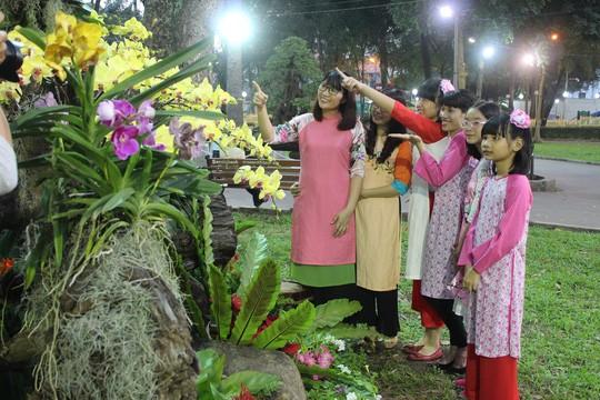 Abschluss des Blumenfestes zum Frühling des Jahres des Hundes in Ho Chi Minh Stadt - ảnh 1
