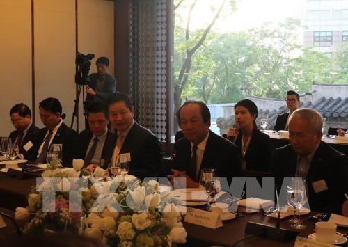 Vietnam schafft günstige Bedingungen für ausländische Investoren - ảnh 1