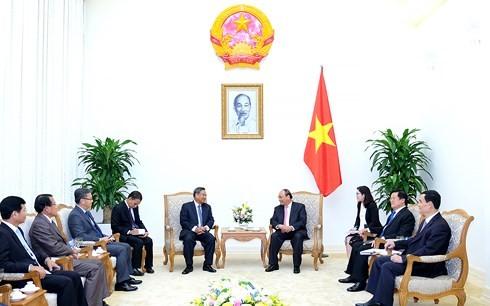 Premierminister Nguyen Xuan Phuc trifft den Leiter des Personalkomitees von LRVP - ảnh 1