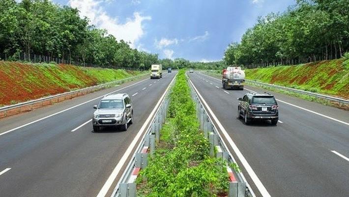 Trinh Dinh Dung: Bautempo der Nord-Süd-Autobahnstrecke soll gewährleistet werden - ảnh 1