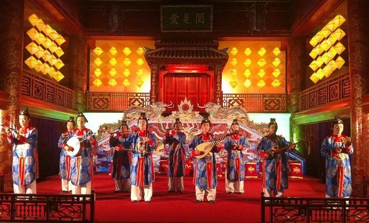 Bewahrung und Entfaltung der immateriellen Kulturschätze in Thua Thien Hue - ảnh 1