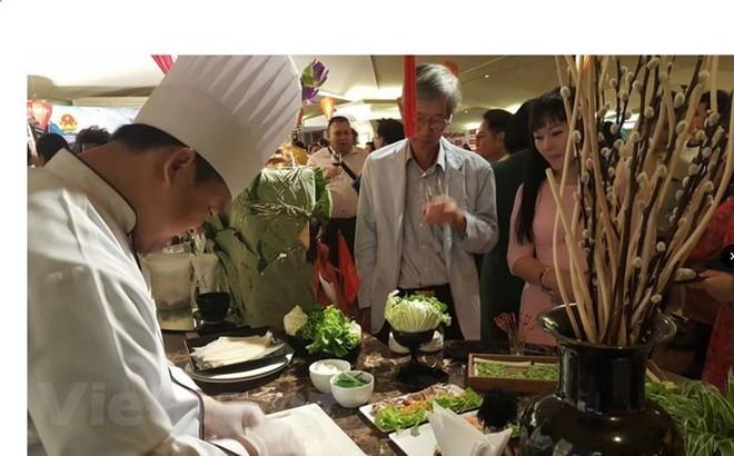 Werbung für Kultur und Kochkunst Vietnams in Thailand - ảnh 1