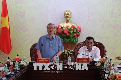 Das ständige Mitglied des KPV-Sekretariats Tran Quoc Vuong besucht Dak Lak - ảnh 1