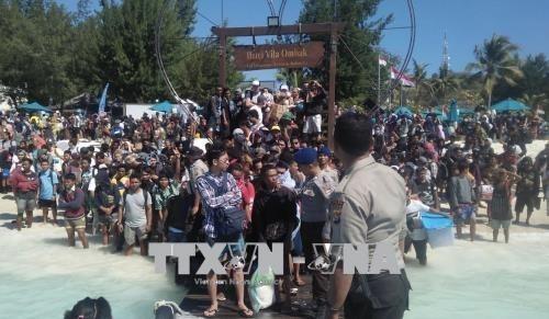Erbeben in Indonesien: Mehr als 2000 Touristen ins Sicherheit gebracht - ảnh 1