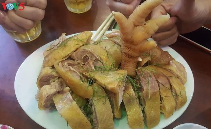Dong-Tao-Hühner, leckeres Essen für Touristen - ảnh 2
