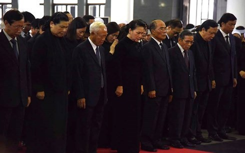 Kondolenzbesuch beim Staatspräsidenten Tran Dai Quang - ảnh 6