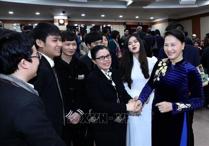 Südkoreas Zeitungen schätzen Südkorea-Besuch der vietnamesischen Parlamentschefin  - ảnh 1