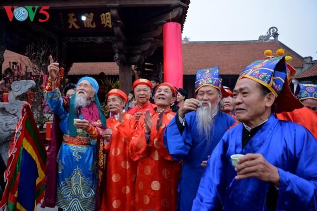 Bewahrung der traditionellen Schönheit des Tetfestes - ảnh 12
