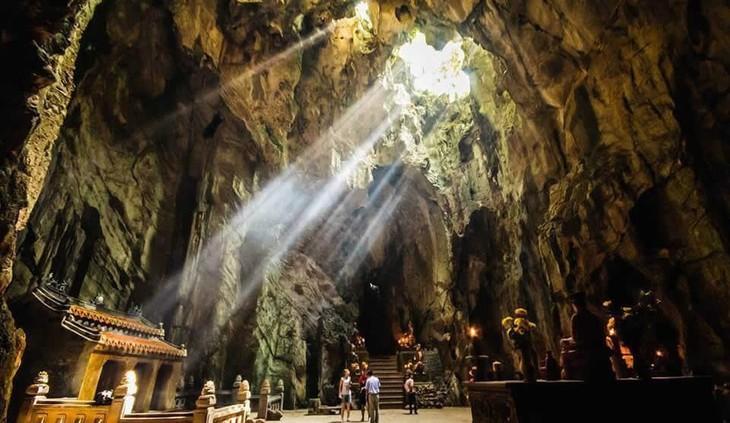 Mehr als 60.000 Touristen besuchen besonderes Nationaldenkmal Ngu Hanh Son - ảnh 1