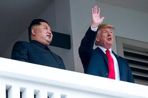 Südkoreas Präsident zeigt sich optimistisch für den USA-Nordkorea-Gipfel in Hanoi - ảnh 1