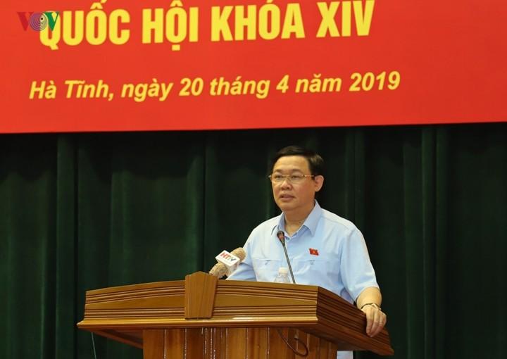 Vize-Premierminister Vuong Dinh Hue trifft Wähler der Provinz Ha Tinh - ảnh 1