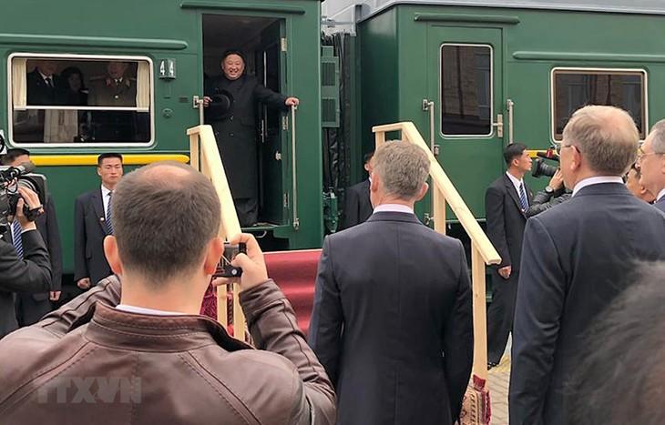 Nordkoreas Staatschef Kim Jong-un herzlich in Russland empfangen - ảnh 1