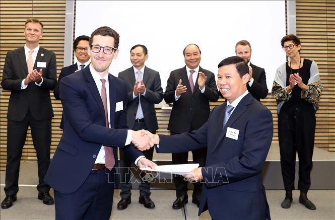 Premierminister Nguyen Xuan Phuc nimmt an Vietnam-Norwegen-Unternehmensforum teil - ảnh 1