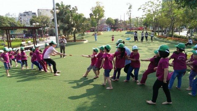 Spiel ist Recht und Chance zur Entwicklung der Geschicklichkeit von Kindern - ảnh 1
