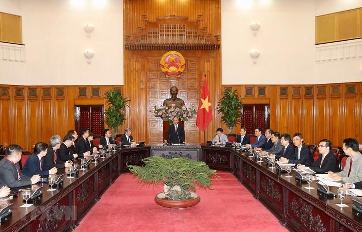 Verpflichtung: Vietnamesische Regierung schafft günstigen Bedingungen für Singapurs Unternehmen  - ảnh 1