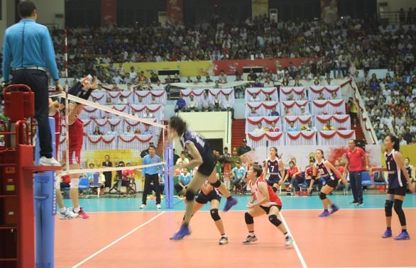 Vietnam zieht ins Vietnam zieht ins Finale des Volleyball-Turniers VTV Ton Hoa Sen-Pokal ein - ảnh 1